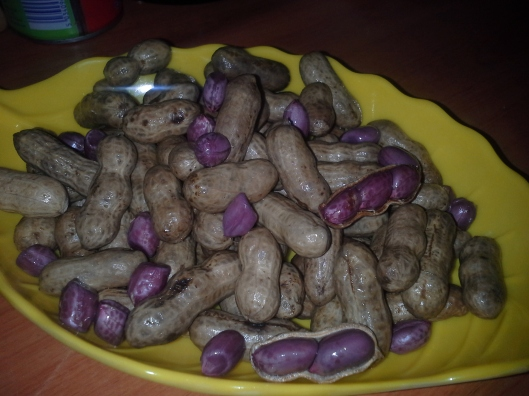 Boiled redskin groundnut