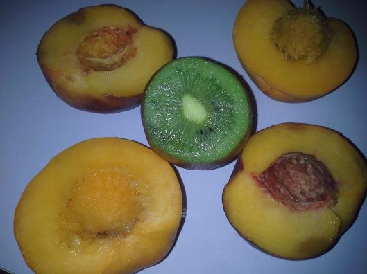 Kiwi and peach